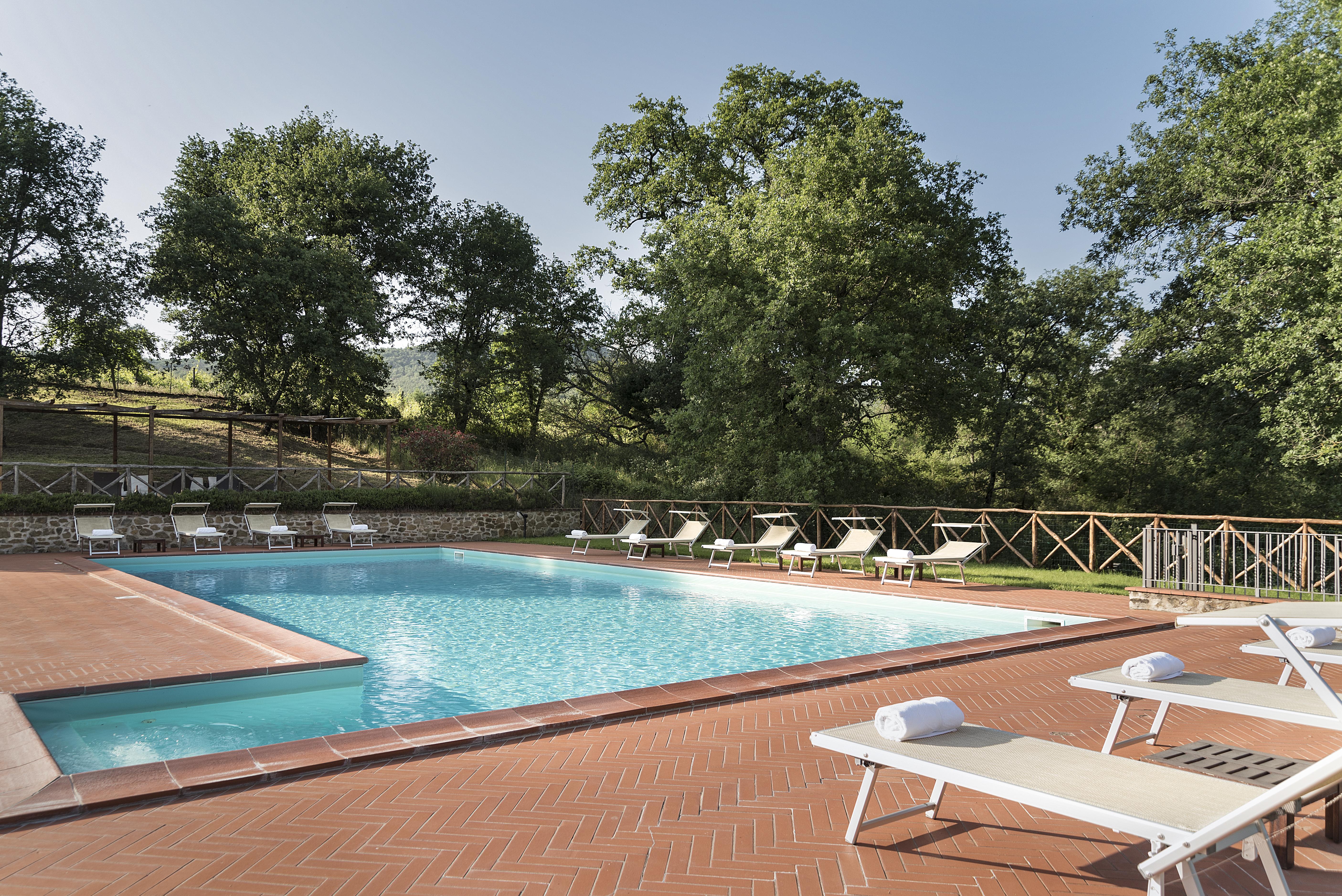 swimming-pool-agriturismo, incrociata, rules, piscina, agriturismo con piscina, farmhouse with swimming pool